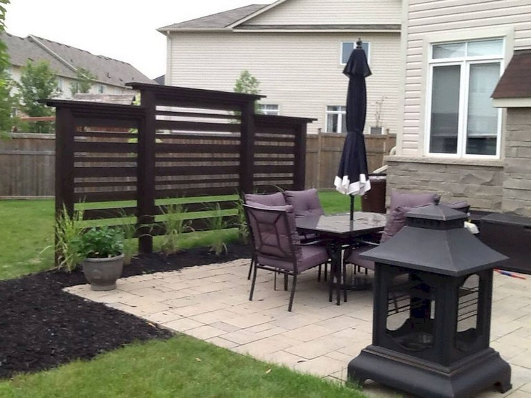 73+ Simple Backyard Privacy Fence Design Ideas on Backyard Wooden Fence Decorating Ideas id=37069