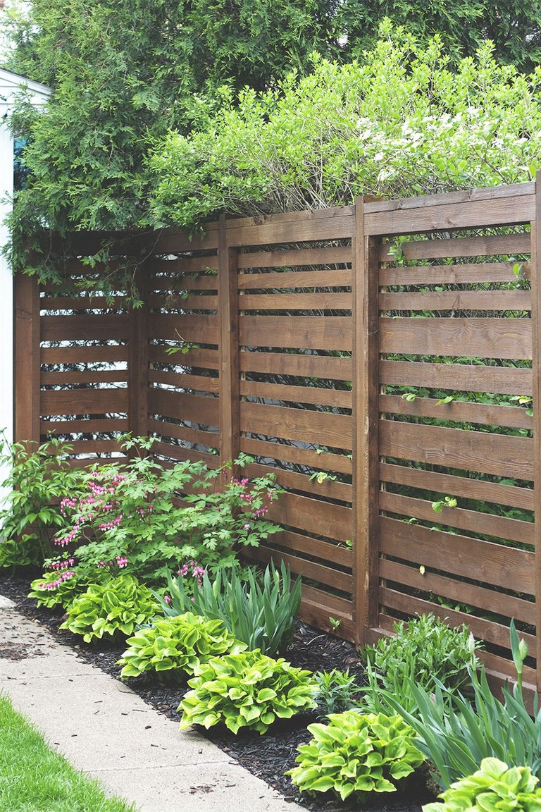 73+ Simple Backyard Privacy Fence Design Ideas on Backyard Wooden Fence Decorating Ideas id=52047